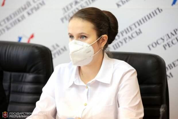 Необходимость обеспечения бесплатными лекарствами федеральных льготников обсудили в крымском парламенте