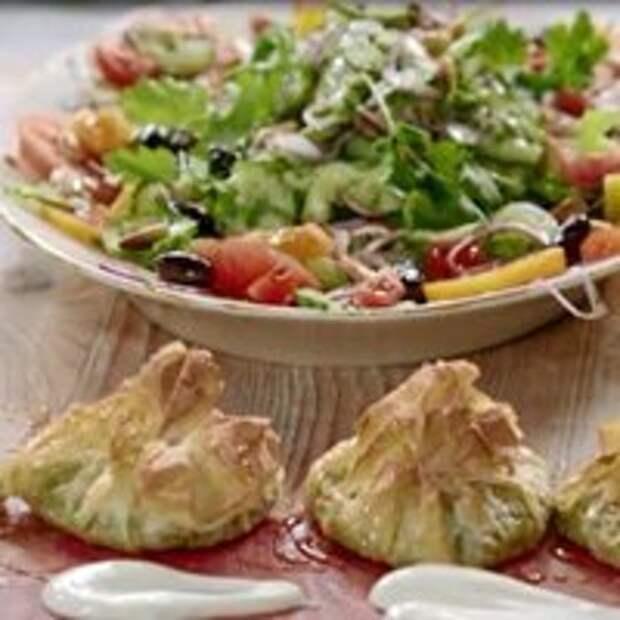 Обед за 15 минут от Джейми! Салат с сыром фета в «мешочках» — Рецепты Джейми Оливера