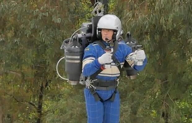 Реактивный рюкзак: первый успешный полёт с мягкой посадкой уже состоялся