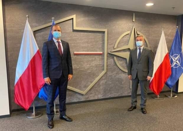 Кузница кадров для внешнего управления: где учились министры обороны стран Восточной Европы