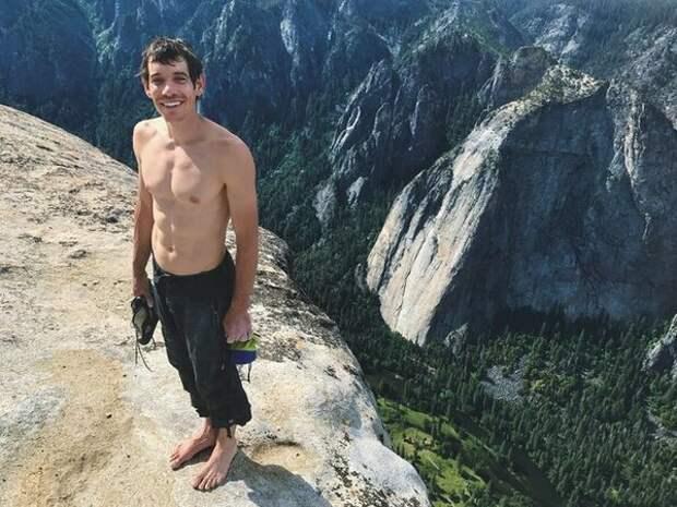 """900 метров к небу без страховки: фри-соло Алекса Хоннолда """"Я поднимаюсь, потому что это красиво"""""""