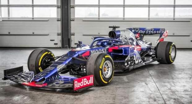 На продажу выставили гоночный болид Toro Rosso STR14 F1