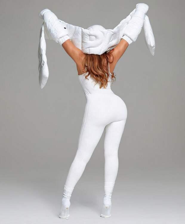 Бейонсе в промо-фотосессии для коллекции Adidas x IvyPark