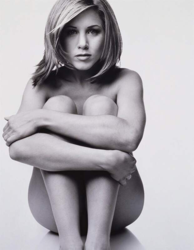 Дженнифер Энистон в провокационной фотосессии 1995 года.