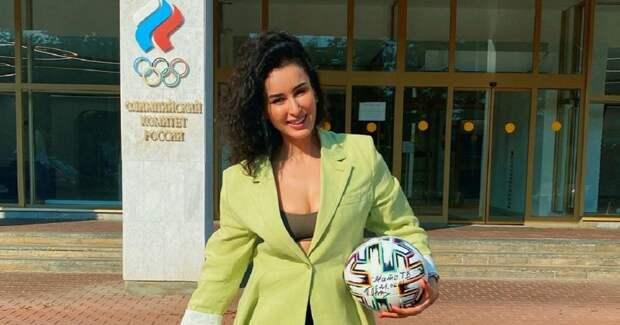 Знаменитости поддерживают олимпийскую сборную России. Вот несколько классных фото и видео