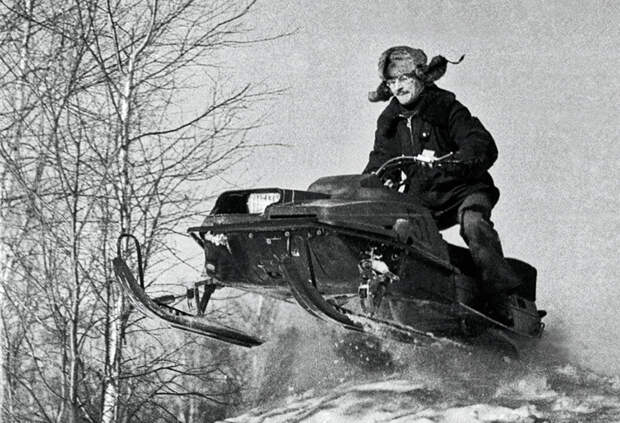 Нужно заметить, что отсутствие конкуренции явно не шло на пользу «Бурану»,  СССР-Россия, история, снегоход