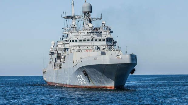 Польша пожаловалась на новый десантный корабль России