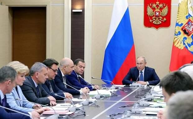 Медведев проверит, как трет шею России налоговое ярмо