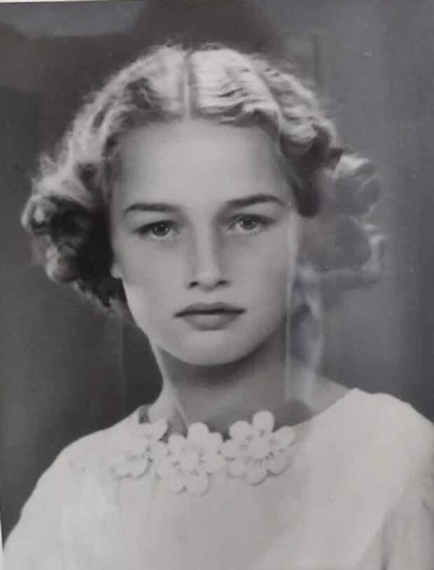Молоды и красивы: в сети делятся архивными фото родителей и прародителей