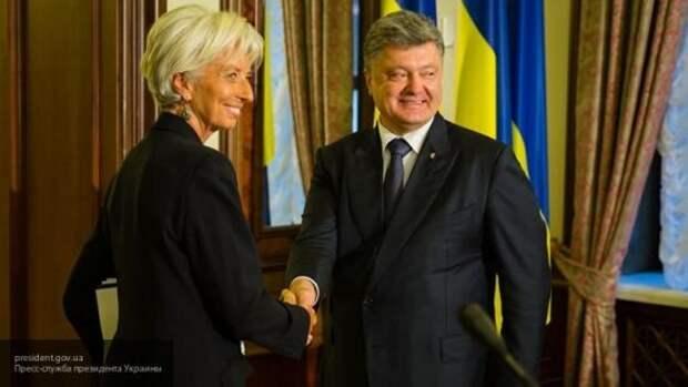 Головачев заметил, что сотрудничество с МВФ ведет Украину по пути Пакистана