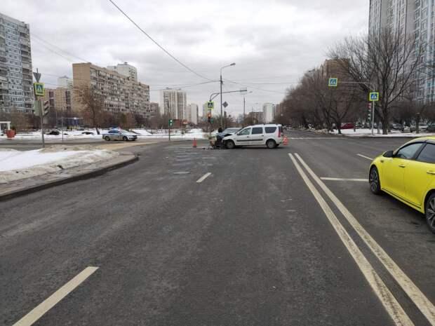 Два автомобилиста не поделили дорогу на Голованова