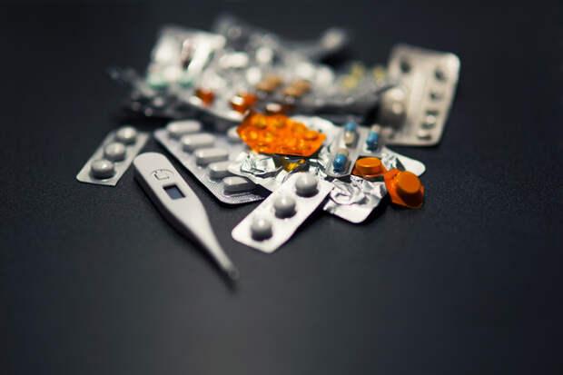 Денег нет-лечитесь импортозамещенным: В Госдуме объяснили замещение импортных лекарств российскими