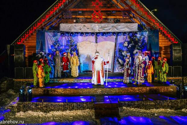 Волшебная пора: огни на первой новогодней ёлке зажгут в Удмуртии 7 декабря