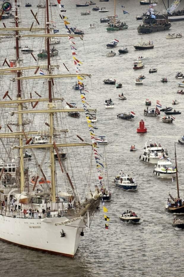 Парад кораблей в Амстердаме подходит к концу