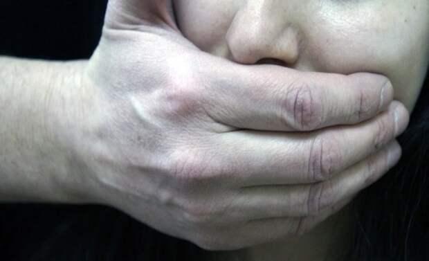Мужчина похитил девушку и хотел поджечь себя у нее на глазах