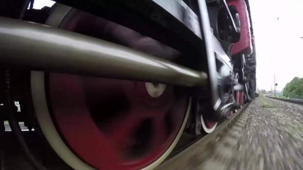 На Кубани приезжий попал под колеса «Ласточки»