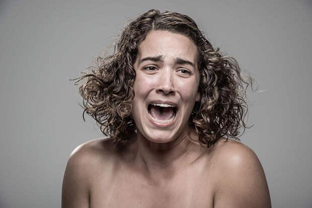 Реакции разных людей на удар электрошокером