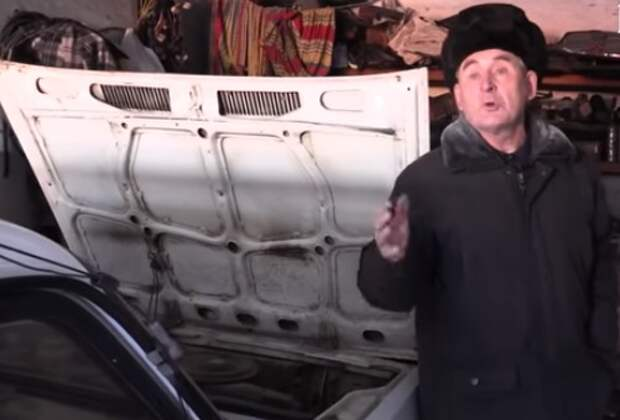 Дед и ёлочка: тот самый пенсионер рассказал, как живёт (видео)