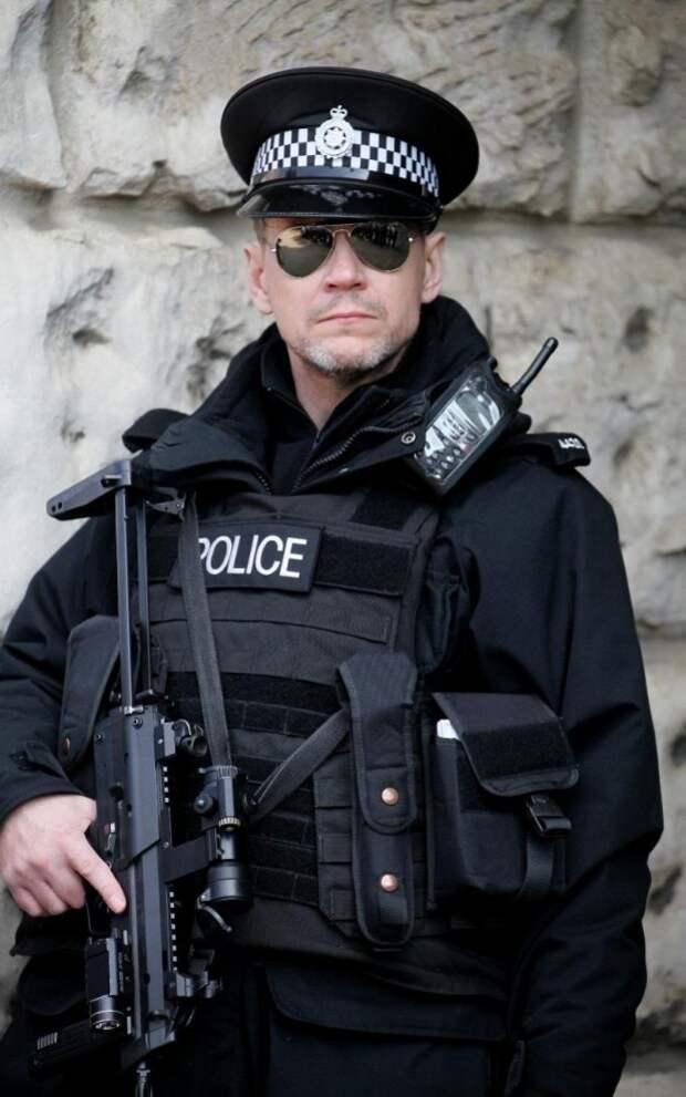 После терактов в Бельгии в Лондоне были усилены меры безопасности.