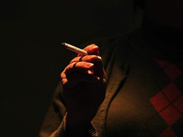 Депутаты решат, нужно ли запретить продавать сигареты женщинам до 40 лет и матерям в присутствии их малолетних детей (вне зависимости от того, сколько женщине лет)