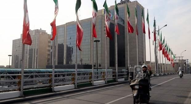 Иран готовится перейти на расчеты с Россией без доллара