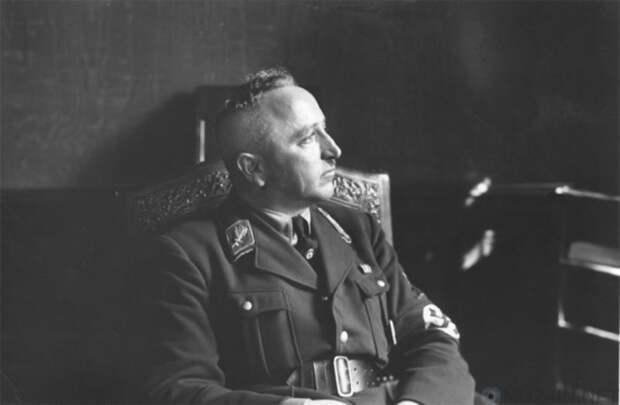 """""""Банальность зла"""": Психиатрическая оценка известных нацистов на Нюрнбергском процессе"""