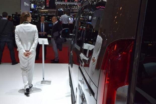 Россияне за 7 месяцев резко сократили траты на новые автомобили