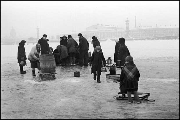 27 января 1944 года - День полного снятия блокады в Ленинграде!