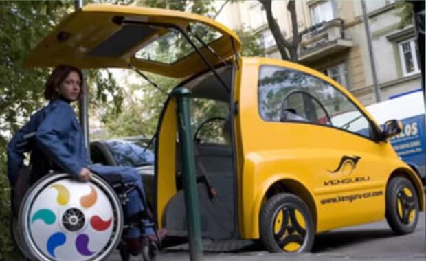 Новый электрокар для инвалидов: коляска превращается в автокресло