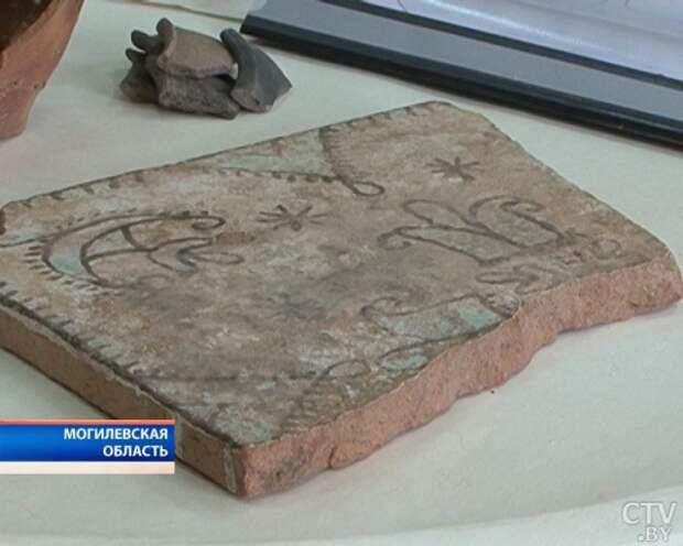 Фрагмент уникальной фрески конца 17 века обнаружили во время земельных работ в Могилеве