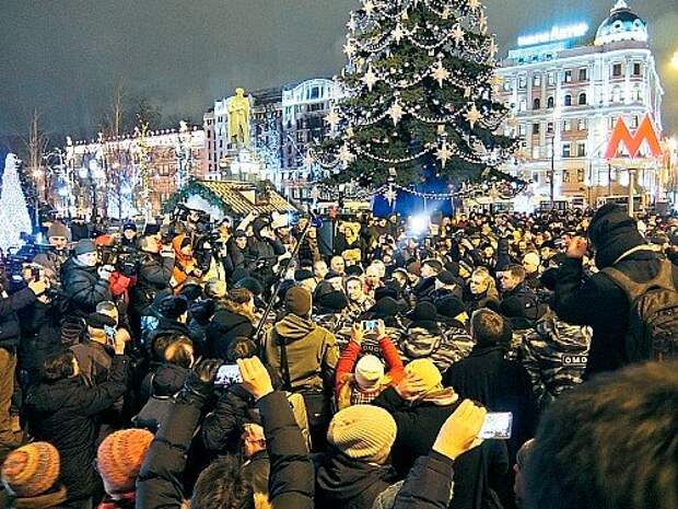 Акции протеста стали регулярными. Самый многочисленный митинг, собравший около 2000 человек, прошел в декабре на Пушкинской площади.