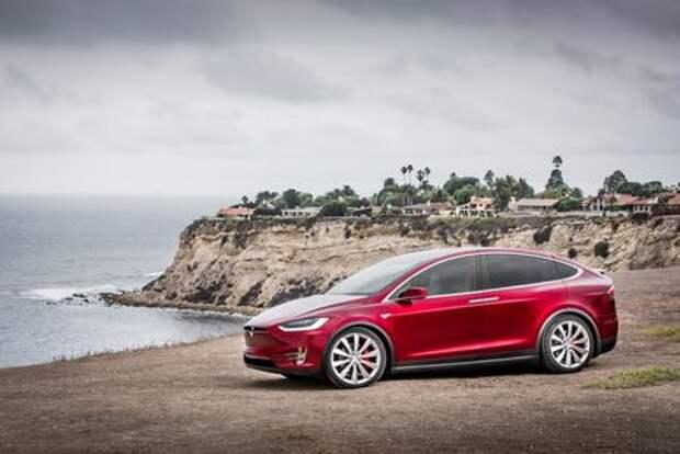 Tesla Model X надругалась над Ferrari