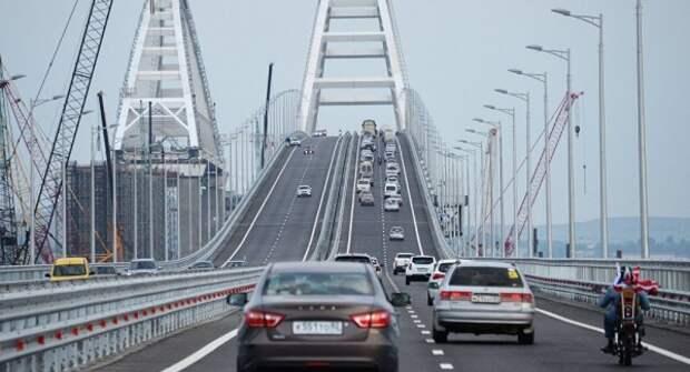 Украина психует из-за Крымского моста и выпрашивает у Запада санкции