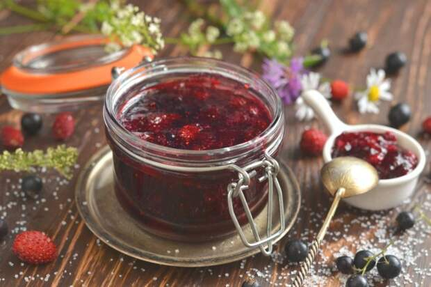 Джем из ягод. / Фото: www.botanichka.ru