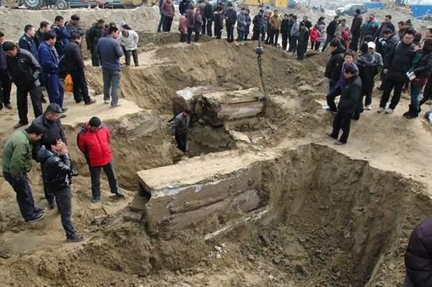 Китайские рабочие раскопали древнюю мумию династии Минг арехеология, китай, мумия, находка, строительство