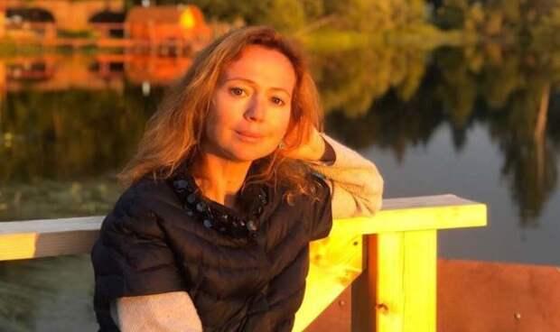 Актриса Захарова рассказала, как лишилась половины волос