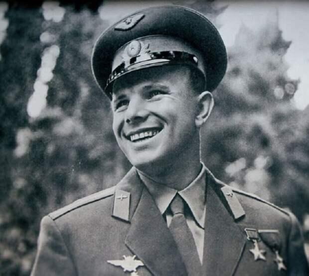 Историк Евгений Спицын рассказал о том, есть ли сейчас шансы на возрождение СССР.