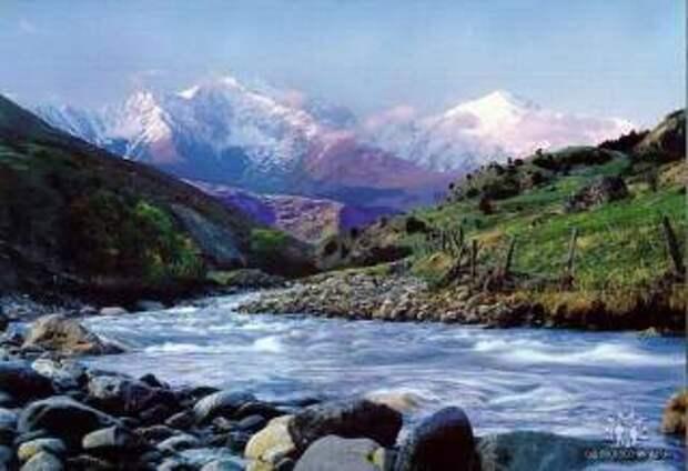 Кавказские горы населены инопланетянами, снежными людьми и богами
