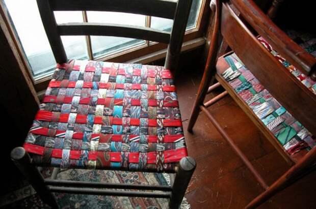 Пуфы и кресла из галстуков (подборка)