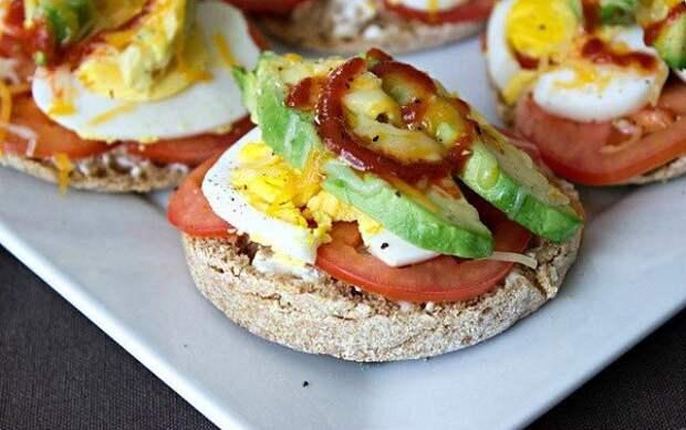 Бутерброд с авокадо блюдо, еда, завтрак, здоровье, полезное