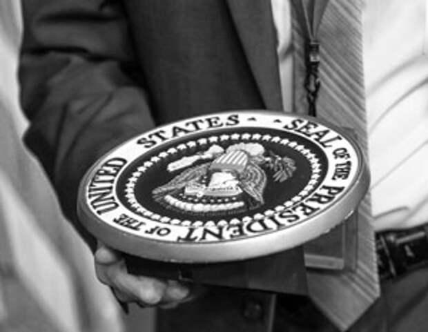 Ключевые символы исполнительной власти в США уже начали свой путь в руки администрации Байдена