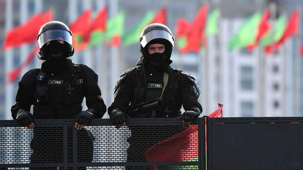 КГБ Белоруссии связало организаторов госпереворота с США. Они подкупали военных