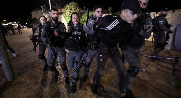 Беспорядки в Иерусалиме продолжаются: ранен израильский полицейский