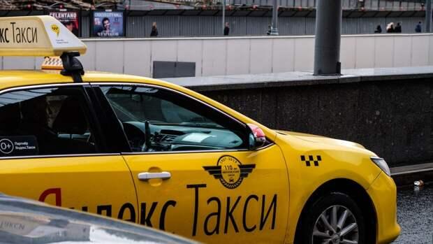 Замерзший на остановке в Брянске журналист потребовал от мэра города 83 рубля за такси