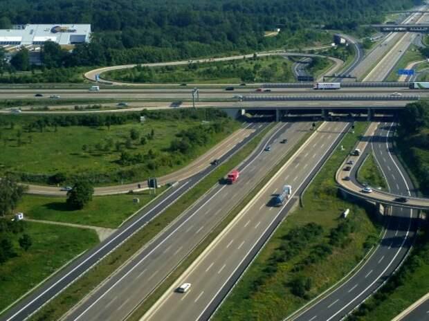 Правительство Германии одобрило введение платы за проезд по автобанам