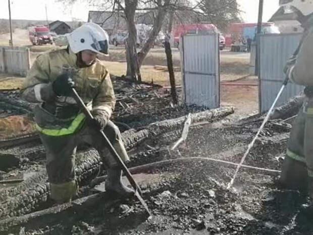 В Сети появилось видео пожара на Урале, унесшего жизни пяти детей