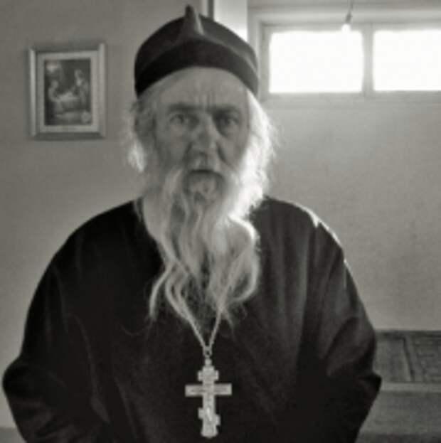 Несвятой святой отец новой России Алексий