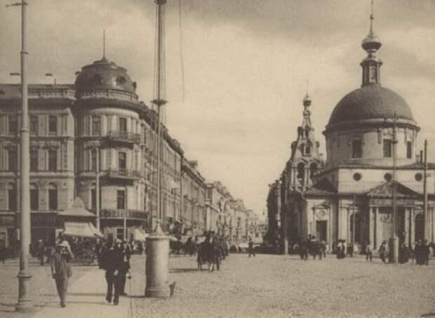 Кинохроника 1922 г. Показ фильмов и фото на Страстной площади (Москва)
