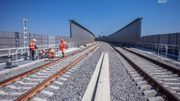 На строительстве ЖД подхода к Крымскому мосту погиб рабочий