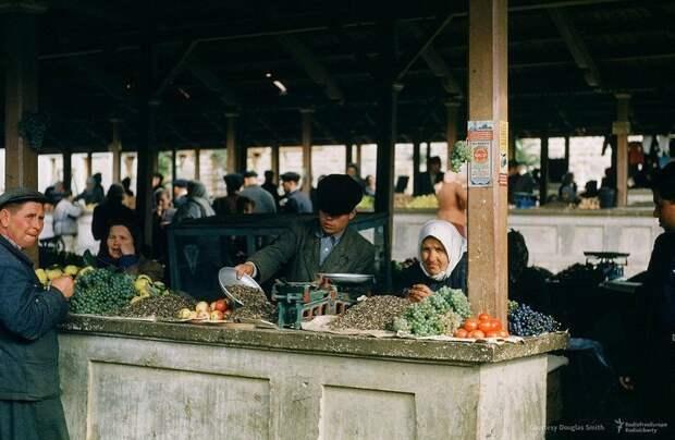 Рынок в Ялте. Фото Мартин Манхоф. Крым. СССР. 1953г. интересно, история, фото